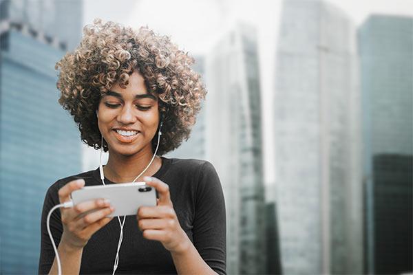 mujer video un vídeo en redes sociales